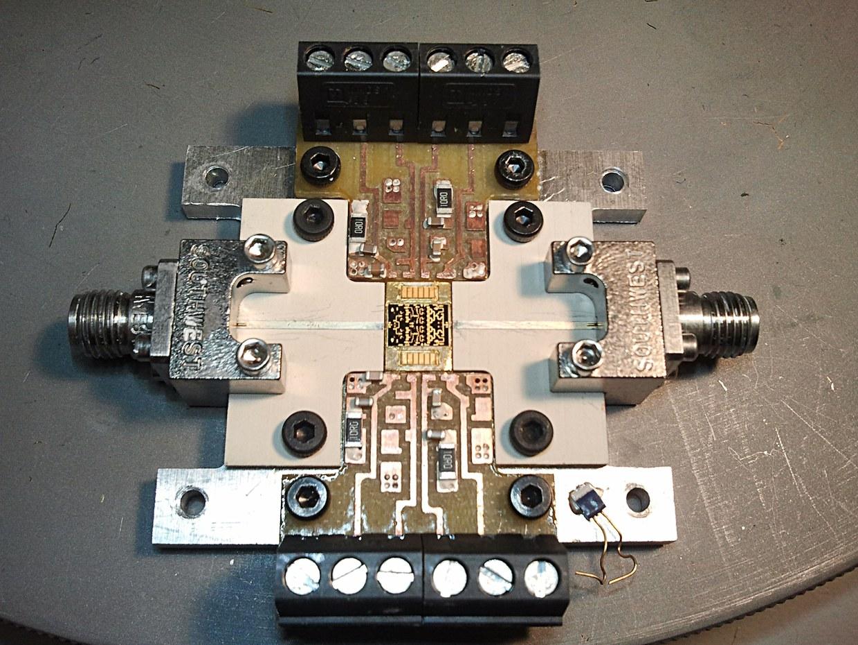 MMIC test jig