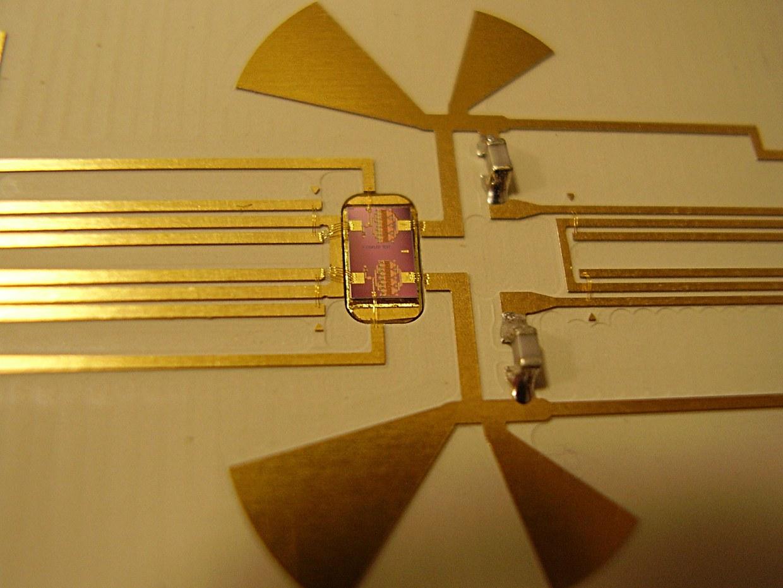Hybrid circuit HPA