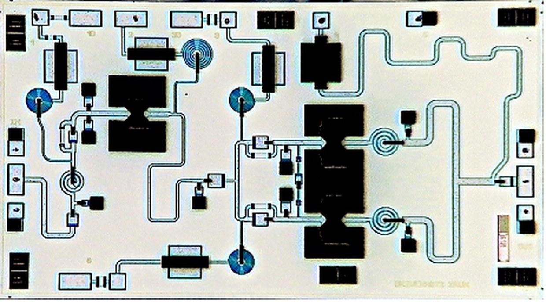 MMIC HBT power amplifier